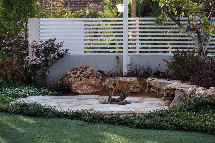 גדר בגינה בבית בגני תקווה