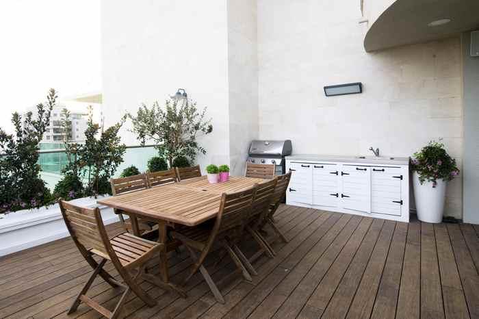 עיצוב גינות במרפסת