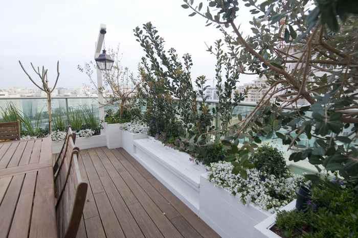 עיצוב גינה במרפסת מדהימה