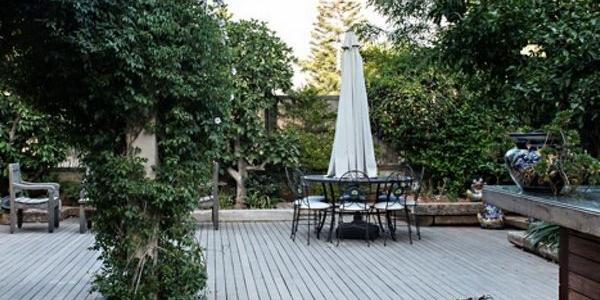 עיצוב גינות ביתיות בשילוב צמחיה