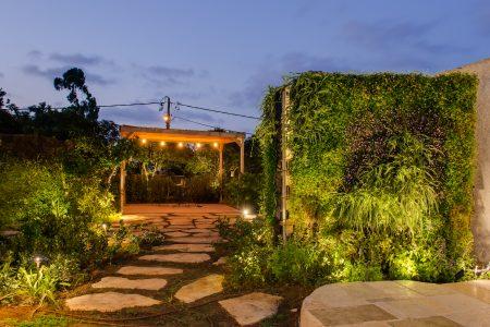 קיר ירוק – ביתו של אדריכל נוף…