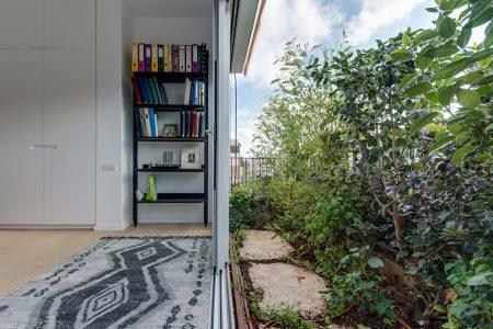 עיצוב גינה במרפסת של יונתן ולורה